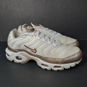 Nike Air Max Plus White Gold Running Shoes 9